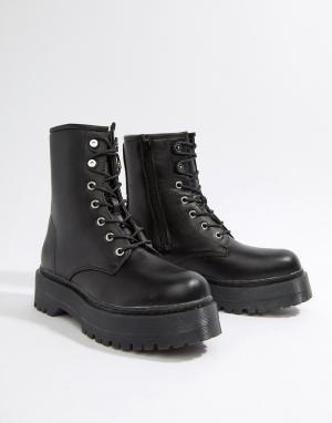 Черные ботинки со шнуровкой и толстой подошвой Missguided