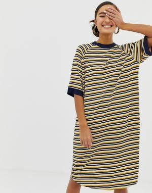 Свободное платье-футболка в полоску Monki. Цвет: мульти