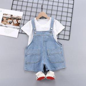 Для девочек Однотонная футболка & с карманами Джинсовый комбинезон SHEIN. Цвет: синий и белый