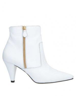 Полусапоги и высокие ботинки ÂME. Цвет: белый