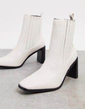 Светлые полусапожки челси на каблуке RAID-Белый Raid