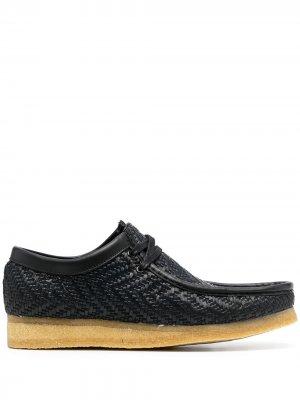 Плетеные туфли Clarks Originals. Цвет: черный
