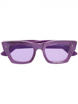 Солнцезащитные очки в квадратной оправе DUOltd. Цвет: фиолетовый