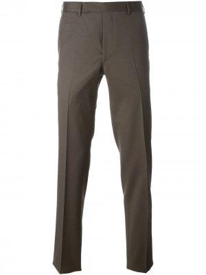 Классические брюки кроя слим Fashion Clinic Timeless. Цвет: коричневый