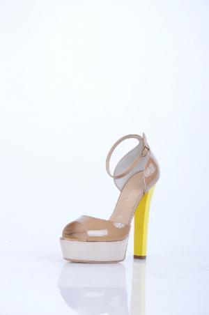 Туфли VICINI. Цвет: желтый