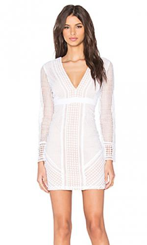 Кружевное платье lidia Bardot. Цвет: белый