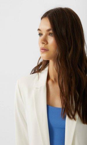 Двубортный Пиджак Без Застежки Женская Коллекция Цвет Небеленого Полотна S Stradivarius. Цвет: цвет небеленого полотна