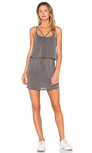 Платье с перекрестными шлейками Lanston. Цвет: серый