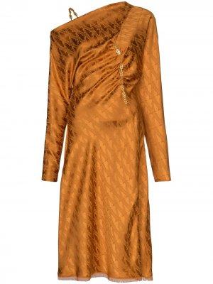Жаккардовое платье миди с открытым плечом Versace. Цвет: оранжевый