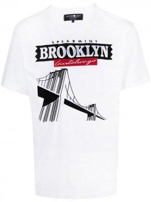 Футболка Brooklyn Hydrogen. Цвет: белый