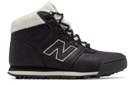 Кроссовки 701 New Balance. Цвет: черный