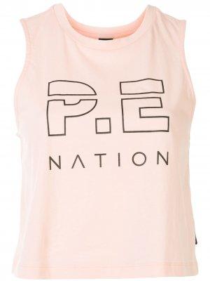 Укороченный топ без рукавов с логотипом P.E Nation. Цвет: оранжевый
