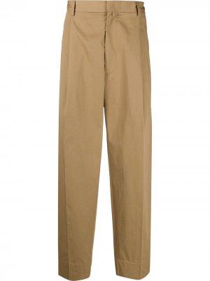 Строгие брюки свободного кроя Maison Flaneur. Цвет: коричневый