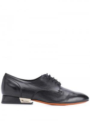 Оксфорды на каблуке с эффектом металлик Santoni. Цвет: черный