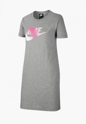 Платье Nike G NSW TSHIRT DRESS FUTURA. Цвет: серый
