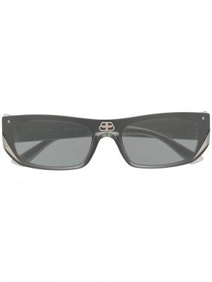 Солнцезащитные очки Shield в прямоугольной оправе Balenciaga Eyewear. Цвет: серебристый