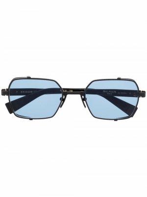 Солнцезащитные очки Brigade III в квадратной оправе Balmain Eyewear. Цвет: черный