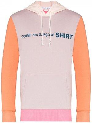 Худи в стиле колор-блок с логотипом Comme Des Garçons Shirt. Цвет: розовый