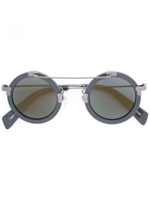 Солнцезащитные очки в круглой оправе Yohji Yamamoto. Цвет: чёрный