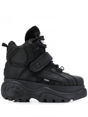 Высокие кроссовки Corin на платформе Buffalo. Цвет: черный