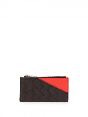 Кошелек в стиле колор-блок с плетением Intrecciato Bottega Veneta. Цвет: коричневый