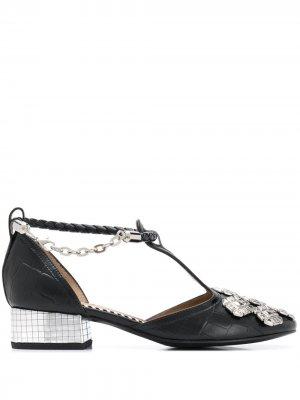 Туфли с тиснением под кожу крокодила и заклепками Toga Pulla. Цвет: черный