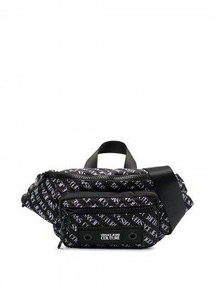 Поясная сумка с логотипом Versace Jeans Couture. Цвет: черный
