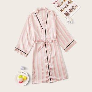 Полосатый атласный халат с поясом для девочек SHEIN. Цвет: розовые