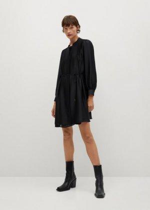 Плиссированное платье с атласным блеском - Albani Mango. Цвет: черный