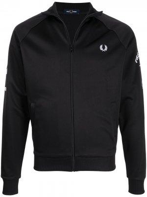 Куртка на молнии с логотипом FRED PERRY. Цвет: черный