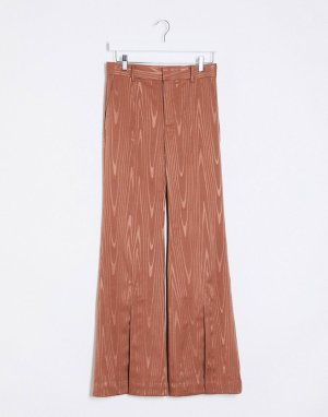 Коричневые расклешенные брюки с разрезами -Коричневый цвет In Wear