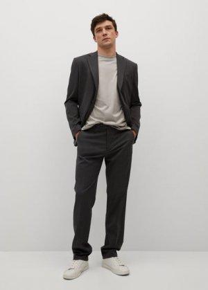Костюмные брюки regular fit с мелкой фактурной выделкой - Janeiro Mango. Цвет: серый