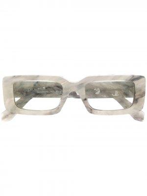 Солнцезащитные очки в прямоугольной оправе Off-White. Цвет: серый