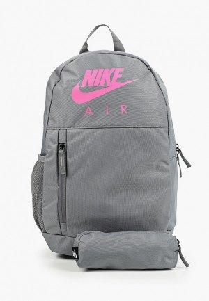 Рюкзак и пенал Nike Y NK ELMNTL BKPK - GFX FA19. Цвет: серый