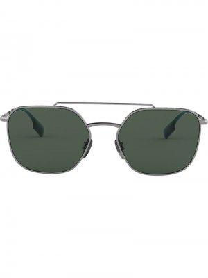 Солнцезащитные очки-авиаторы в квадратной оправе Burberry Eyewear. Цвет: золотистый
