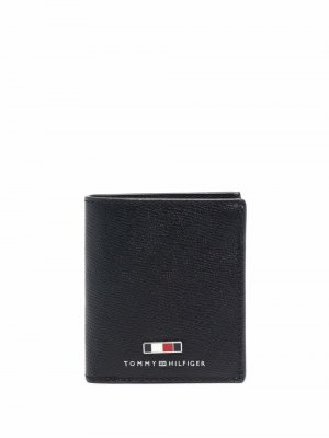 Бумажник с контрастными полосками Tommy Hilfiger. Цвет: черный