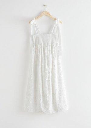 Сарафан с цветочной вышивкой &Other Stories. Цвет: белый