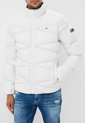 Пуховик Tommy Jeans. Цвет: белый