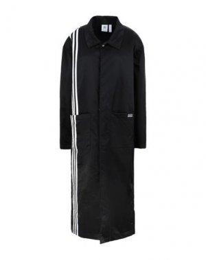 Легкое пальто ADIDAS ORIGINALS. Цвет: черный