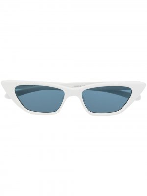Солнцезащитные очки в оправе кошачий глаз AMBUSH. Цвет: белый