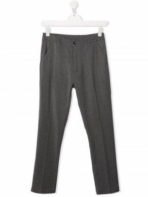 Строгие брюки со складками Paolo Pecora Kids. Цвет: серый