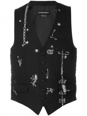 Жилет с изображением брошек и булавок Alexander McQueen. Цвет: чёрный
