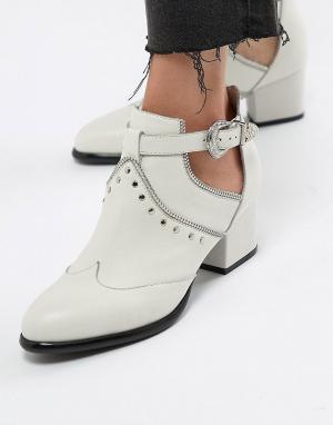 Белые ботинки в стиле вестерн с заклепками Sofie Schnoor. Цвет: белый
