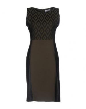 Платье до колена MANUELA RIVA. Цвет: зеленый-милитари