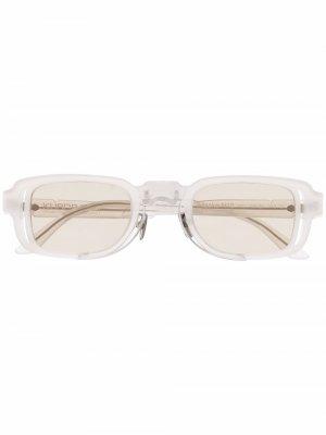 Солнцезащитные очки в овальной оправе Kuboraum. Цвет: серый