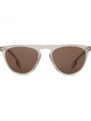 Солнцезащитные очки в D-образной оправе Burberry Eyewear. Цвет: серый