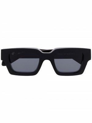 Солнцезащитные очки с логотипом Arrows Off-White. Цвет: черный