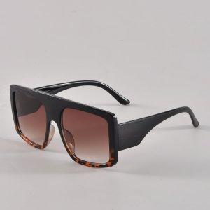 Мужские солнцезащитные очки в геометрической оправе SHEIN. Цвет: коричневые