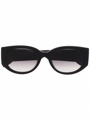Солнцезащитные очки в овальной оправе с логотипом Alexander McQueen. Цвет: черный