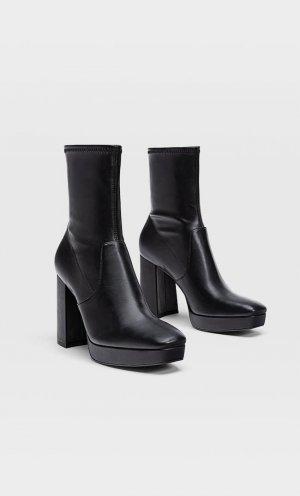 Эластичные Ботинки Челси На Платформе Женская Коллекция Черный 38 Stradivarius. Цвет: черный